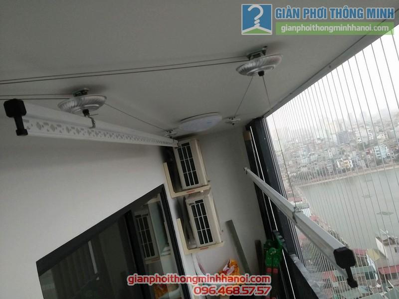 Lắp giàn phơi và lưới an toàn ban công nhà chị Phương, chung cư Five Star số 2 Kim Giang - 05