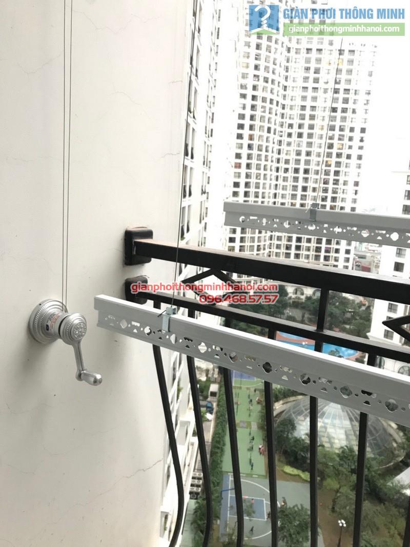 Lắp giàn phơi tại Royal City nhà chị Hoa, P12a17, Tòa R1 - 10