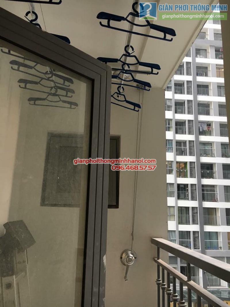 Lắp giàn phơi GP990 nhà chị Quyên, Park 10, Park Hill Times City - 04