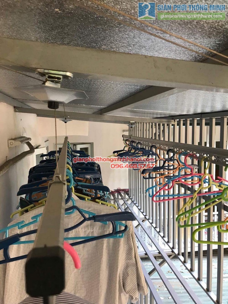 Sửa giàn phơi quần áo nhà chị Linh, ngõ 46 Phạm Ngọc Thạch, Đống Đa, Hà Nội - 06