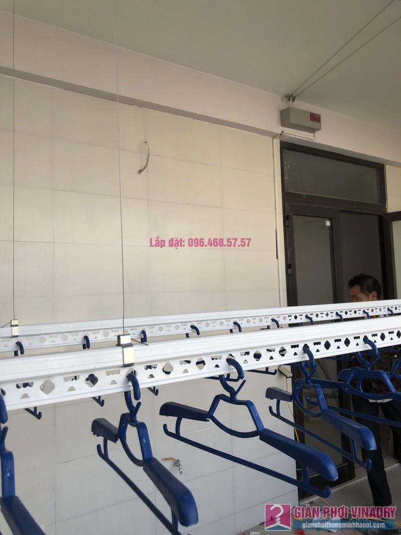 Lắp giàn phơi bấm điện và giàn phơi tay quay liền GP701 nhà chú Khải, khu tái định cư X2A, Yên Sở, Hoàng Mai, Hà Nội - 04