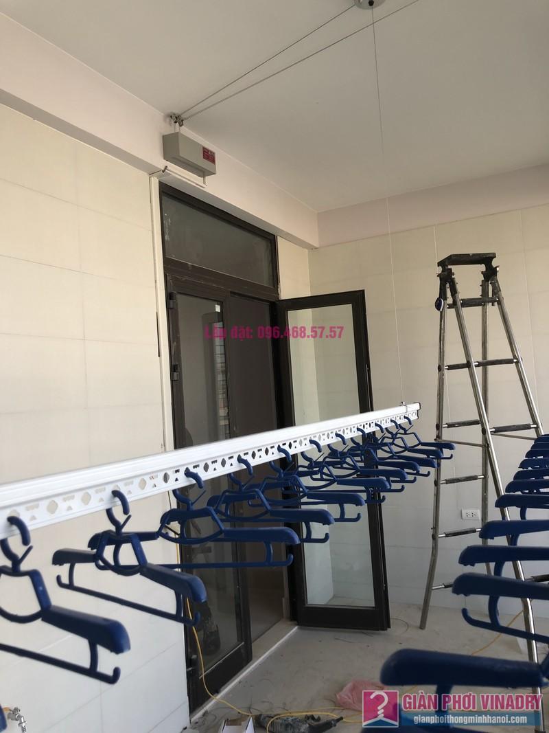 Lắp giàn phơi bấm điện và giàn phơi tay quay liền GP701 nhà chú Khải, khu tái định cư X2A, Yên Sở, Hoàng Mai, Hà Nội - 05
