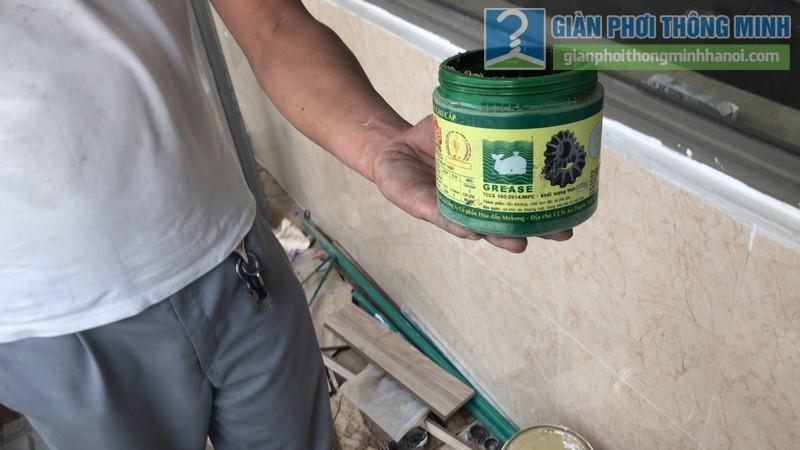 Lắp giàn phơi được tặng ngay lọ dầu bảo dưỡng giàn phơi chuyên dụng