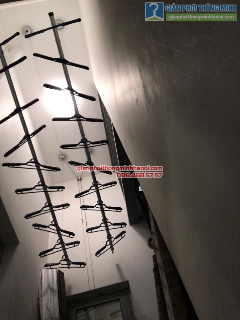 Lắp giàn phơi thông minh Hòa Phát 999B nhà chị Yến, Park 12, Park Hill, Times City - 04