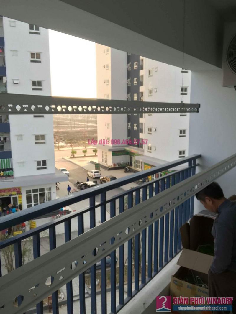 Lắp giàn phơi tay quay liền 950 nhà anh Nam, KĐT Xa La, Hà Đông - 03