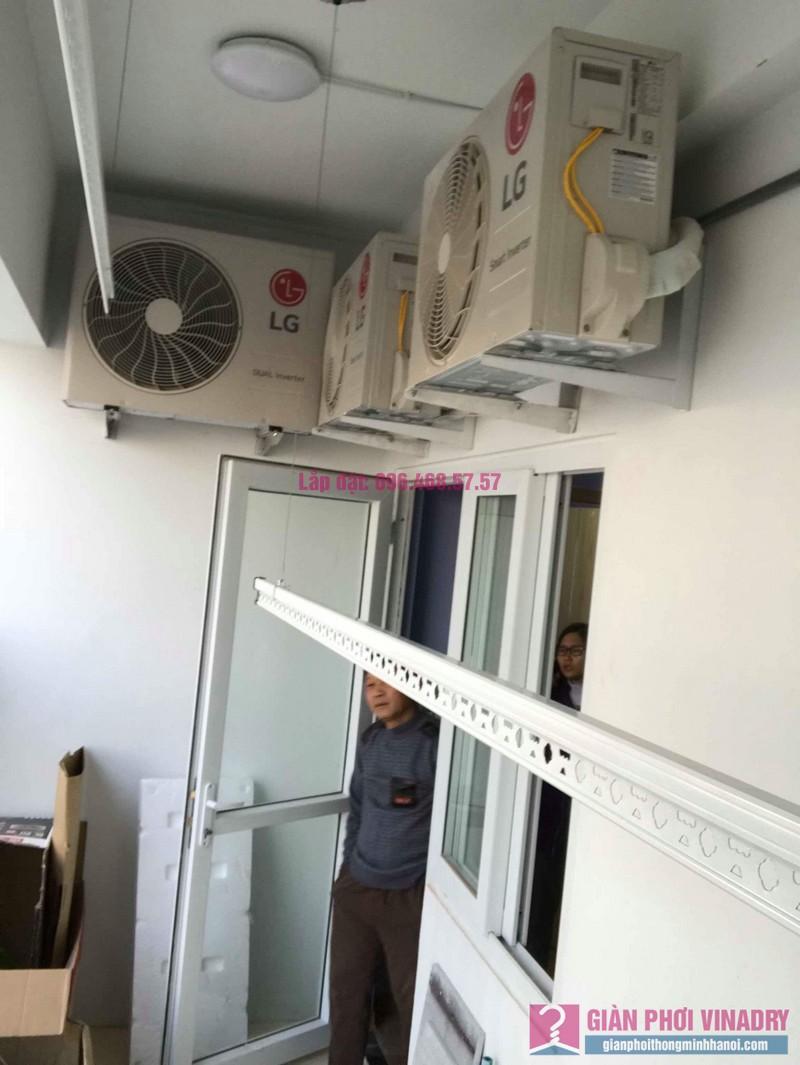 Lắp giàn phơi tay quay liền 950 nhà anh Nam, KĐT Xa La, Hà Đông - 04