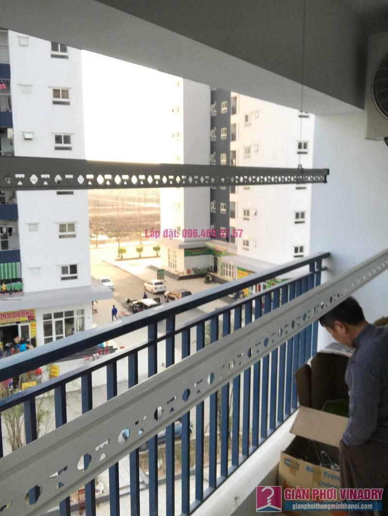Lắp giàn phơi tay quay liền 950 nhà anh Nam, KĐT Xa La, Hà Đông - 05