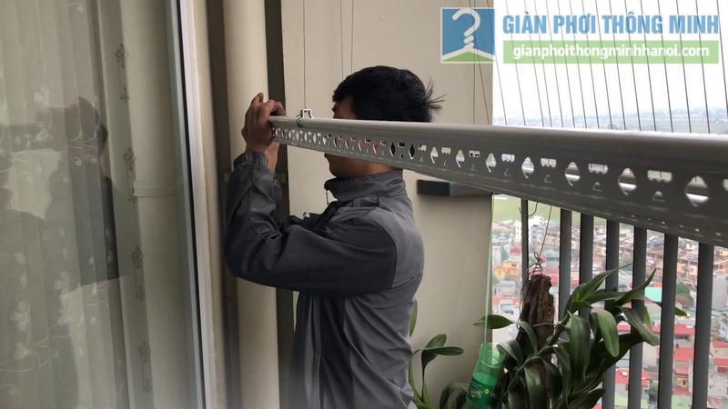 Lắp giàn phơi nhà anh Công, tòa V1, chung cư Victoria Văn Phú, Hà Đông, Hà Nội - 06