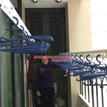 Lắp giàn phơi Hai Bà Trưng bộ tay quay liền 701 nhà cô Mị, chung cư Vincom Bà Triệu
