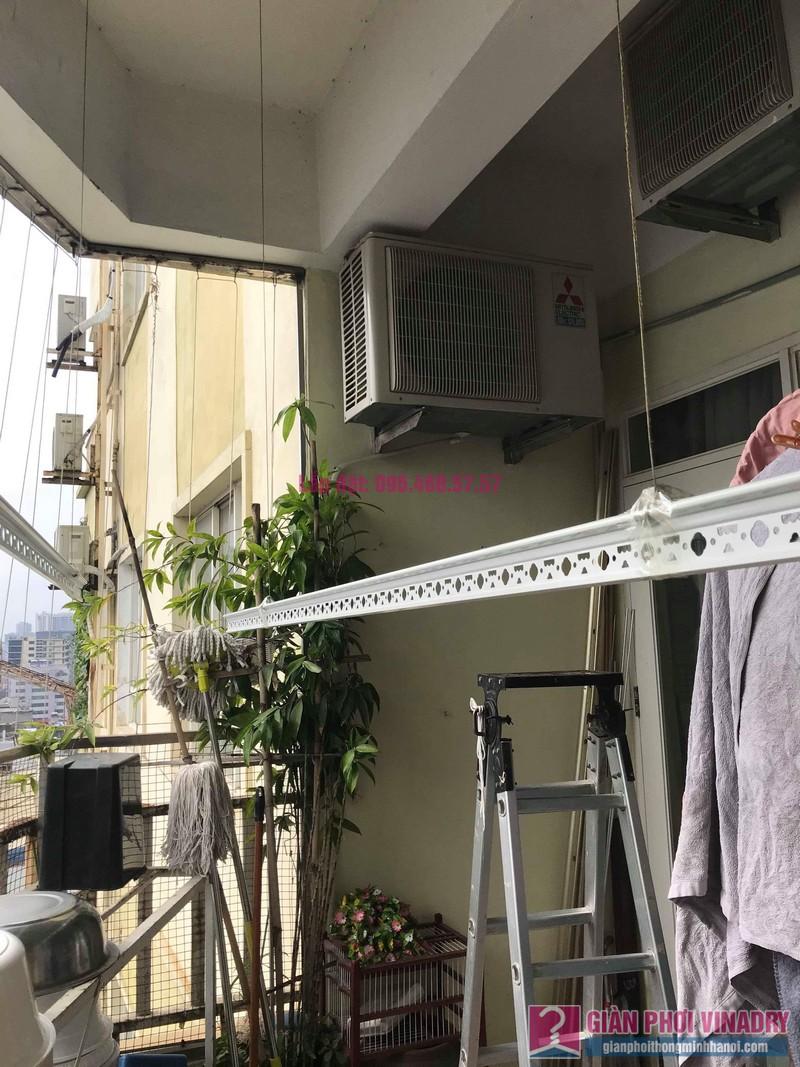 Sửa giàn phơi quần áo nhà anh Tình, chung cư Sunrise D11, 90 Trần Thái Tông, Cầu giấy, Hà Nội - 06