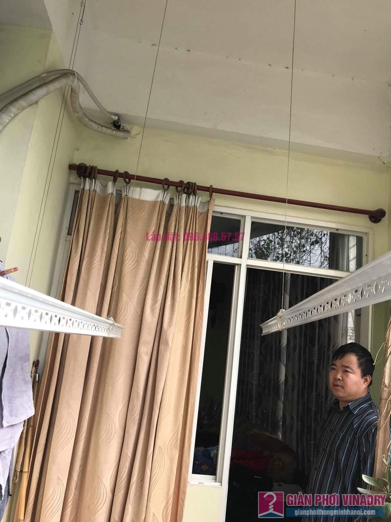 Sửa giàn phơi quần áo nhà anh Tình, chung cư Sunrise D11, 90 Trần Thái Tông, Cầu giấy, Hà Nội - 07