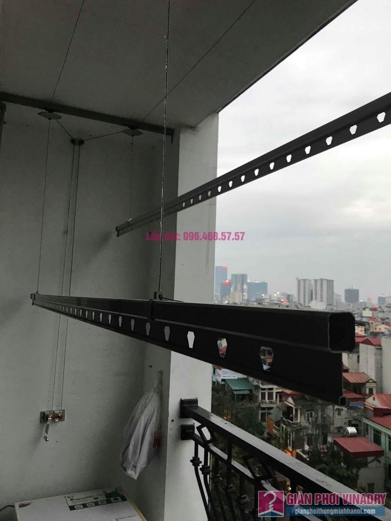 Sửa giàn phơi quần áo nhà chị Hải, tòa R3a, Royal City - 02