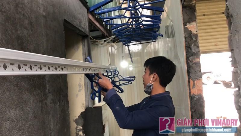 Lắp giàn phơi quần áo nhà chi Đào, Long Biên, Hà Nội - 03