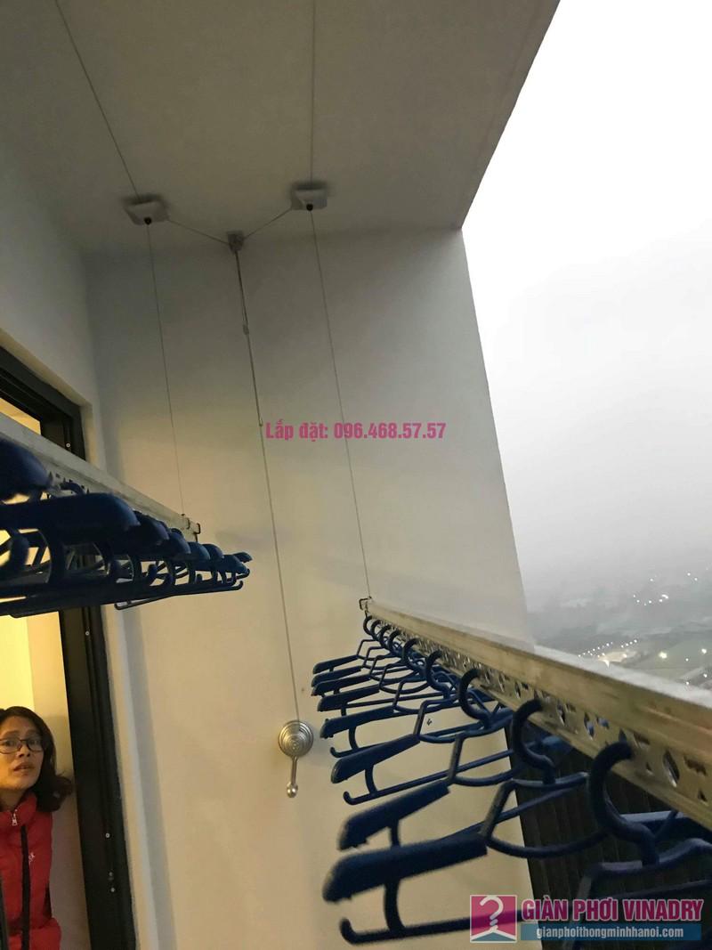 Lắp giàn phơi tay quay liền GP950 nhà chị Nhàn, Tòa G1, chung cư Five Star, số 2 Kim Giang - 02