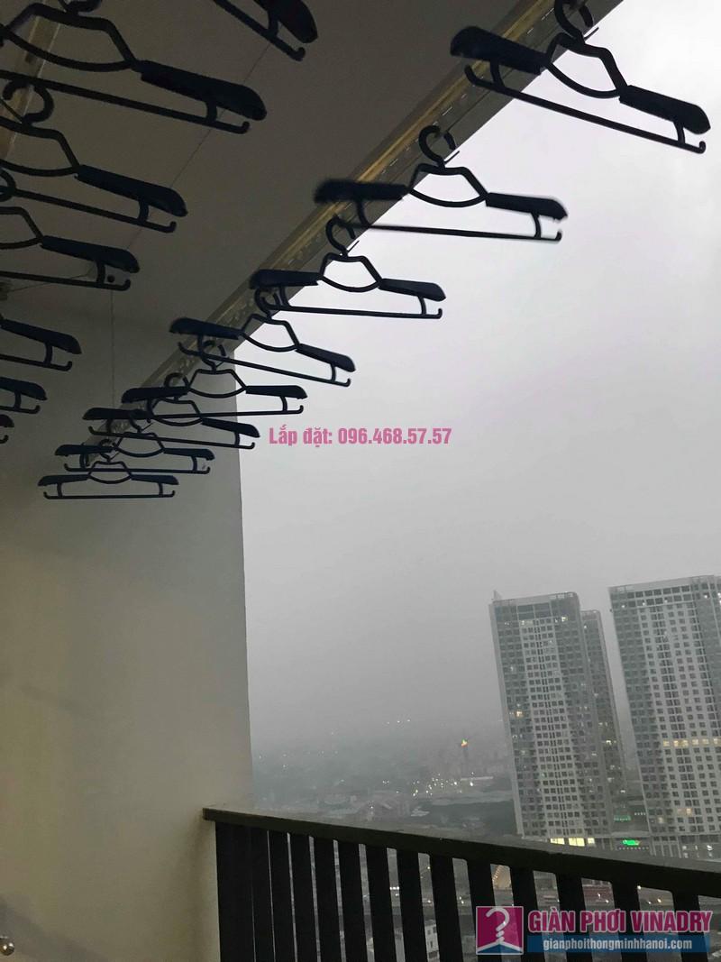 Lắp giàn phơi tay quay liền GP950 nhà chị Nhàn, Tòa G1, chung cư Five Star, số 2 Kim Giang - 07