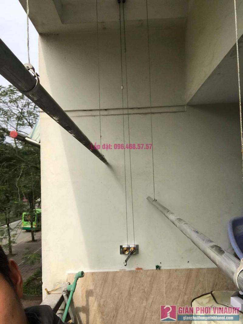 Sửa giàn phơi quần áo nhà chị Chuyên, căn 202 chung cư K8, KĐT Việt Hưng, Long Biên, Hà Nội - 04