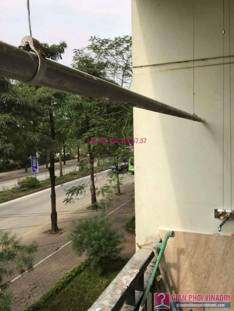 Sửa giàn phơi quần áo nhà chị Chuyên, căn 202 chung cư K8, KĐT Việt Hưng, Long Biên, Hà Nội - 06
