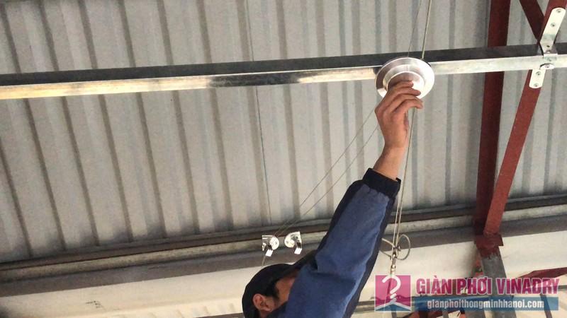 Lắp giàn phơi cho trần mái tôn nhà cô Khôi, ngách 10, ngõ 15 Gốc Đề, Minh Khai, Hà Nội - 01