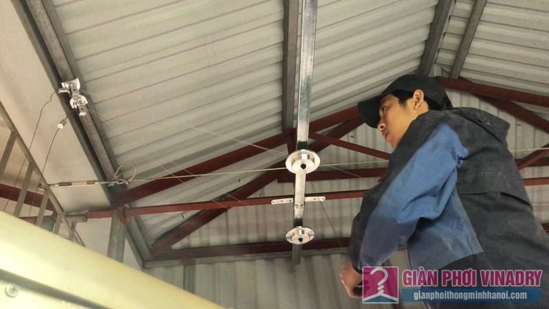 Lắp giàn phơi cho trần mái tôn nhà cô Khôi, ngách 10, ngõ 15 Gốc Đề, Minh Khai, Hà Nội - 04