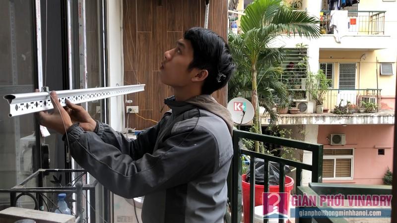 Lắp 2 bộ giàn phơi quần áo 950 nhà chị Bích, chung cư H8, KĐT Việt Hưng, Long Biên, Hà Nội - 04