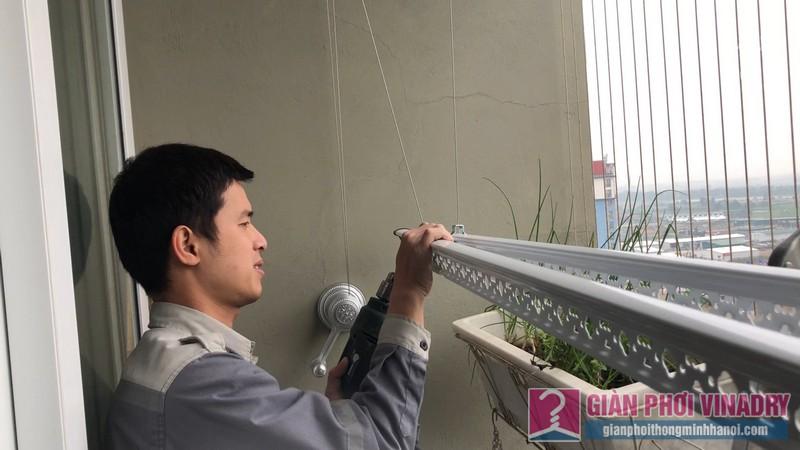 Lắp giàn phơi quần áo nhà chị Hảo, căn 1509, chung cư HUD3 Tower, Hà Đông, Hà Nội - 07