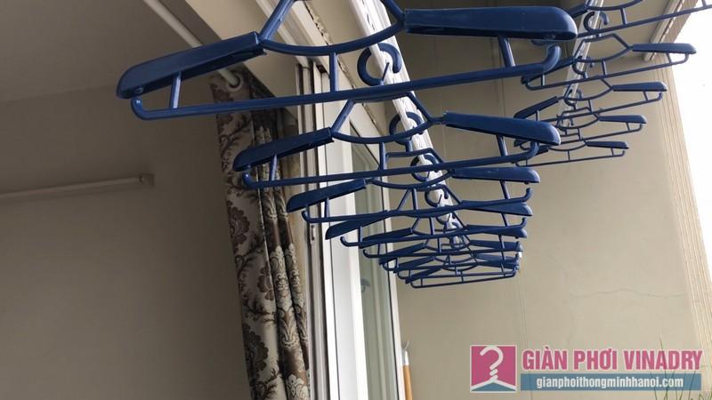 Lắp giàn phơi quần áo nhà chị Hảo, căn 1509, chung cư HUD3 Tower, Hà Đông, Hà Nội - 08