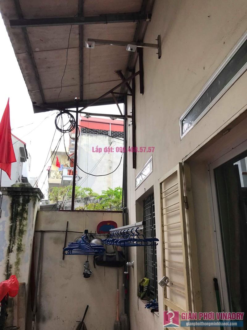Lắp giàn phơi cho trần mái tôn nhà anh Dũng, Khu TT đường sắt Hà Thái, Đông Anh, Hà Nội