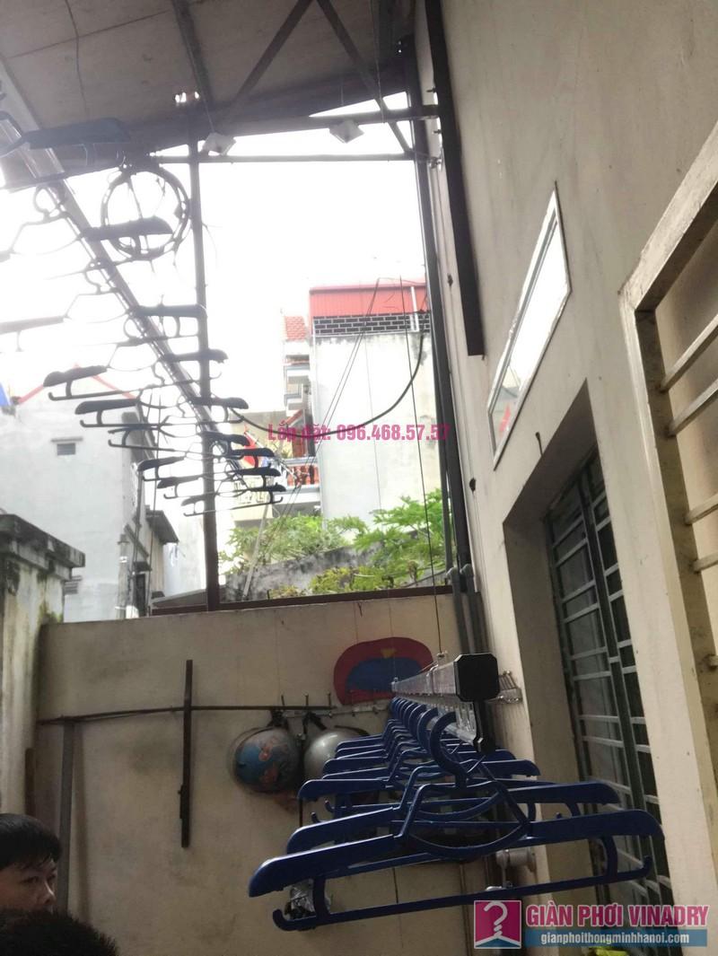 Lắp giàn phơi cho trần mái tôn nhà anh Dũng, Khu TT đường sắt Hà Thái, Đông Anh, Hà Nội - 04