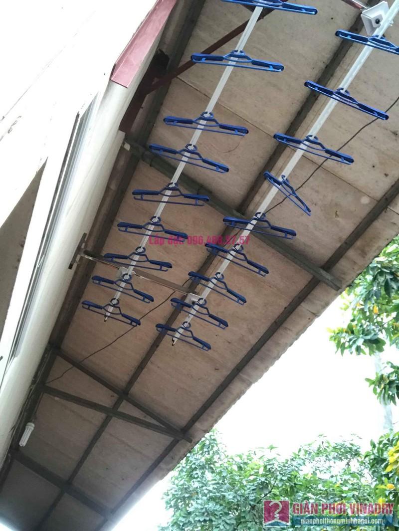 Lắp giàn phơi cho trần mái tôn nhà anh Dũng, Khu TT đường sắt Hà Thái, Đông Anh, Hà Nội - 05