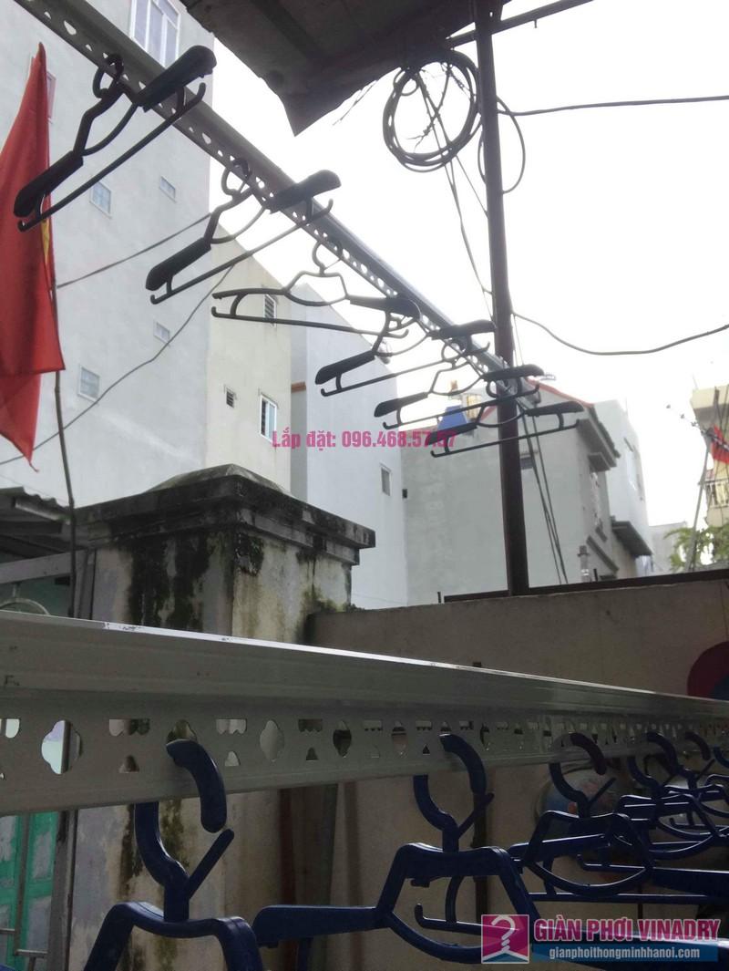 Lắp giàn phơi cho trần mái tôn nhà anh Dũng, Khu TT đường sắt Hà Thái, Đông Anh, Hà Nội - 09