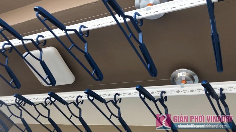 Lắp giàn phơi Cầu giấy bộ giàn phơi Hòa Phát Air 701 nhà chị Linh, chung cư CT4 Vimeco - 10