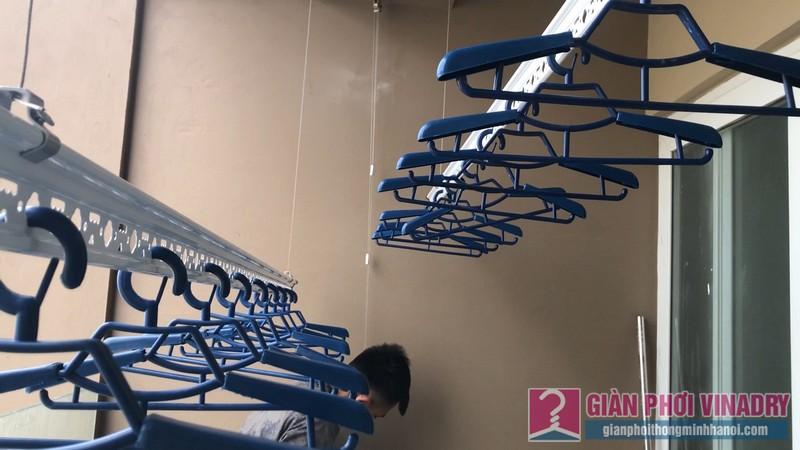 Lắp giàn phơi Cầu giấy bộ giàn phơi Hòa Phát Air 701 nhà chị Linh, chung cư CT4 Vimeco - 09