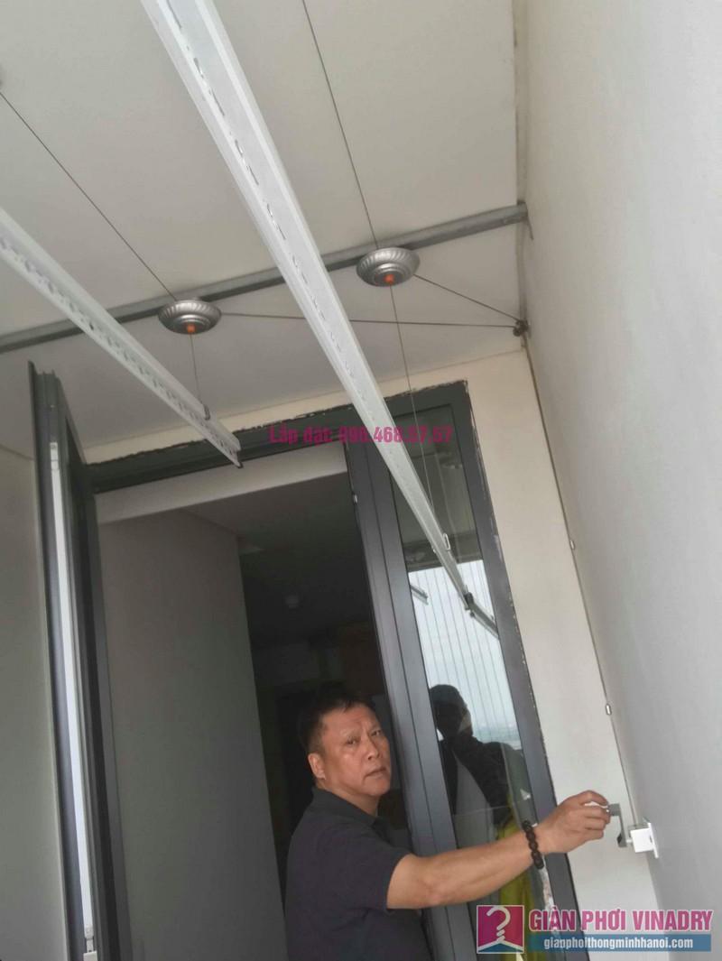 Lắp giàn phơi Hòa Phát 999b nhà chú Khôi, chung cư Mipec Riverside Long Biên, Hà Nội - 03