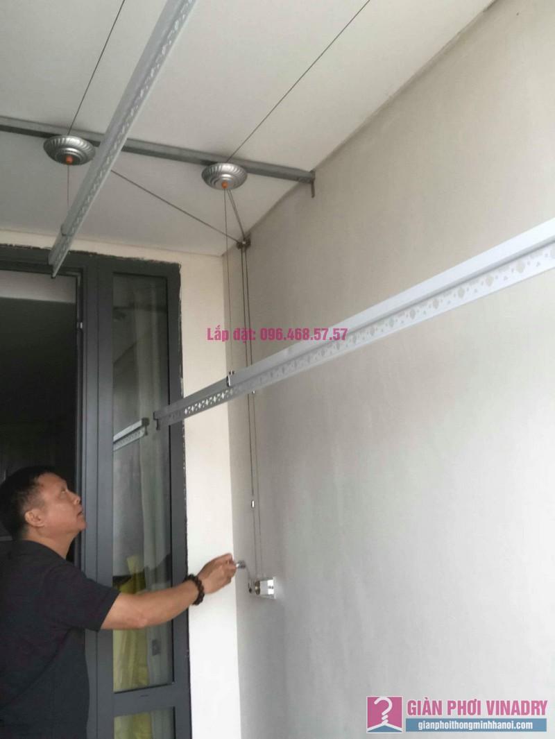 Lắp giàn phơi Hòa Phát 999b nhà chú Khôi, chung cư Mipec Riverside Long Biên, Hà Nội - 04