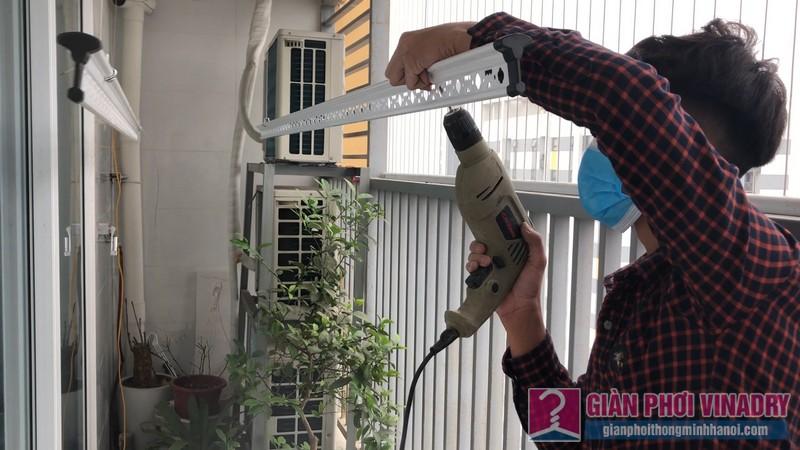 Lắp giàn phơi quần áo 999b nhà chị Tú, chung cư CT1 - A2 Linh Đàm, Hoàng Mai Hà Nội- 01