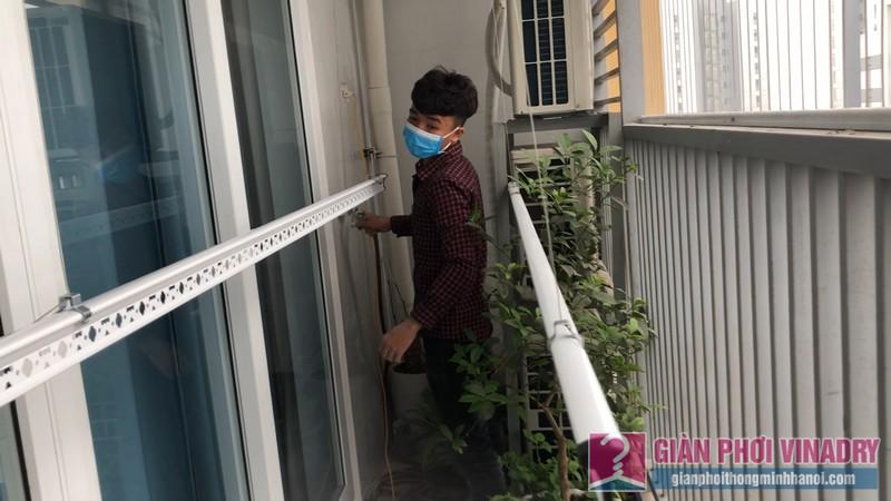 Lắp giàn phơi quần áo 999b nhà chị Tú, chung cư CT1 - A2 Linh Đàm, Hoàng Mai Hà Nội- 03
