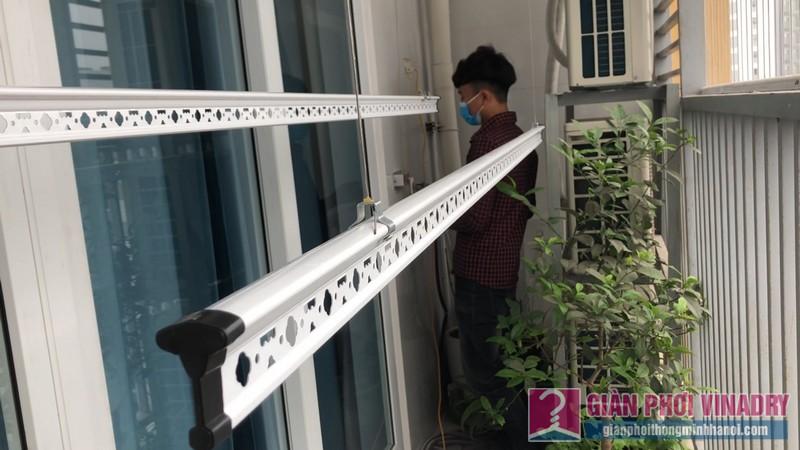 Lắp giàn phơi quần áo 999b nhà chị Tú, chung cư CT1 - A2 Linh Đàm, Hoàng Mai Hà Nội- 04
