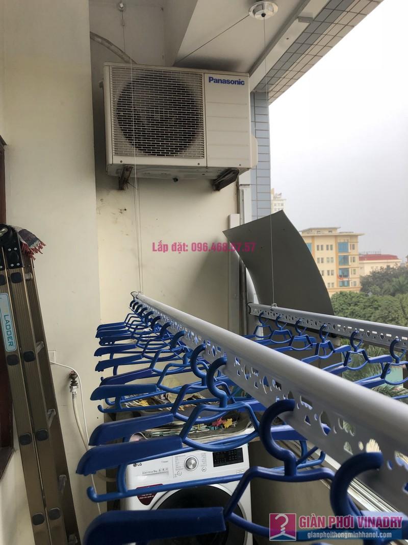 Lắp giàn phơi quần áo nhà chị Băng, tòa nhà Vaem Tây Hồ, ngõ 689 Lạc Long Quân - 01