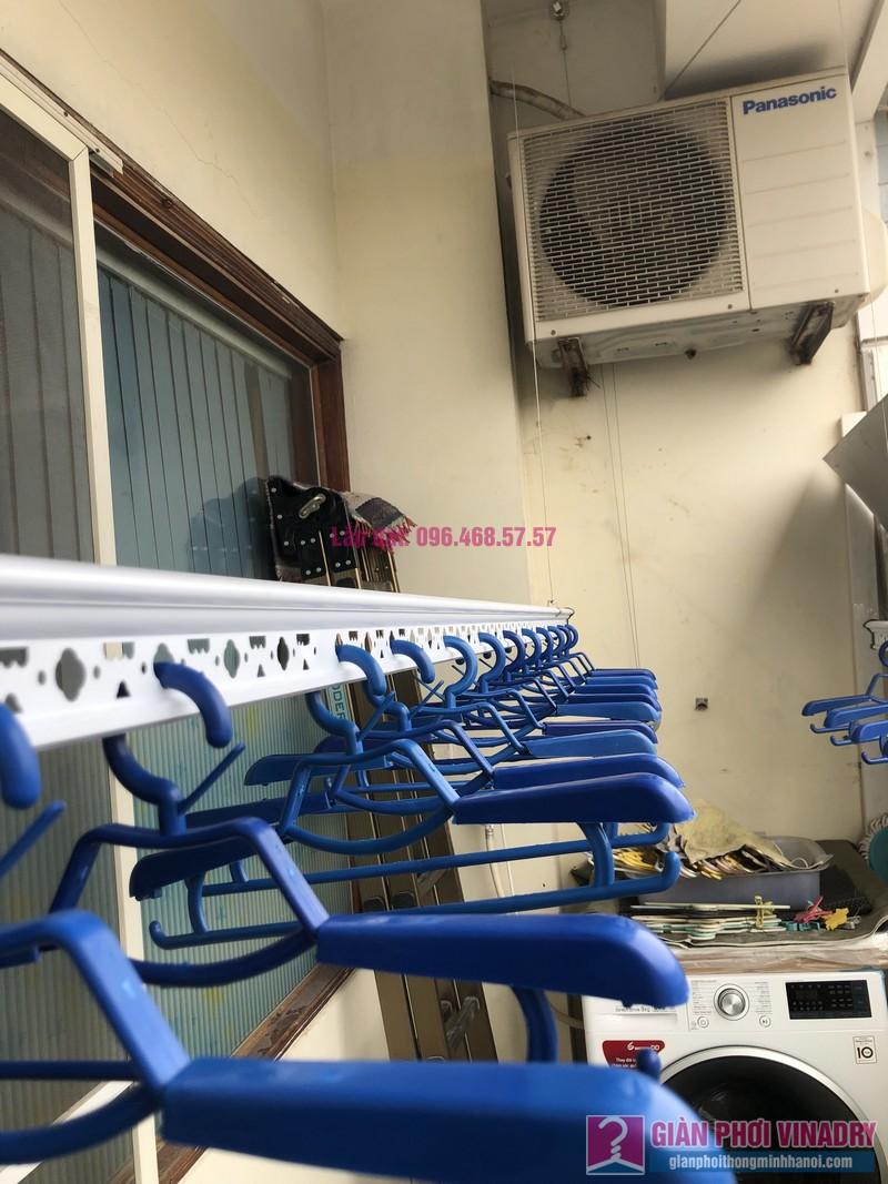 Lắp giàn phơi quần áo nhà chị Băng, tòa nhà Vaem Tây Hồ, ngõ 689 Lạc Long Quân - 03