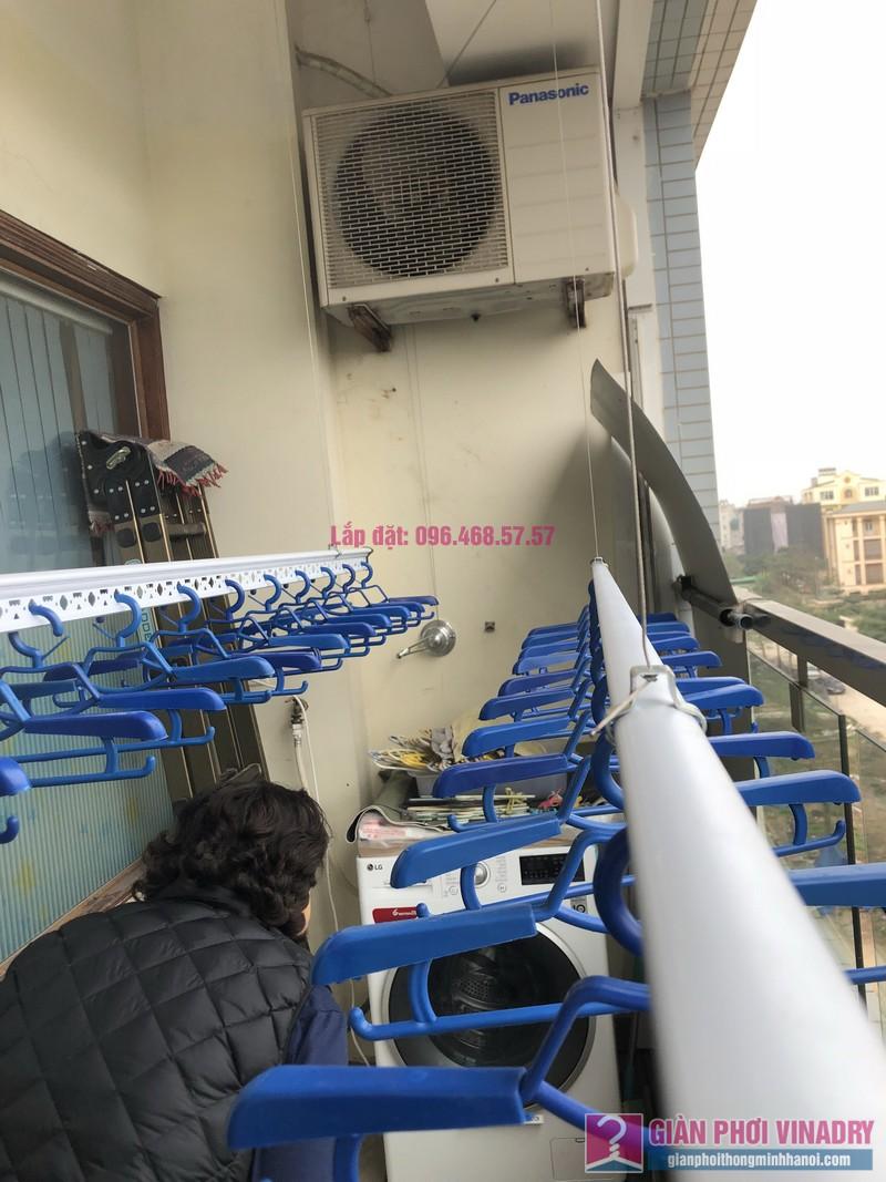 Lắp giàn phơi quần áo nhà chị Băng, tòa nhà Vaem Tây Hồ, ngõ 689 Lạc Long Quân - 04