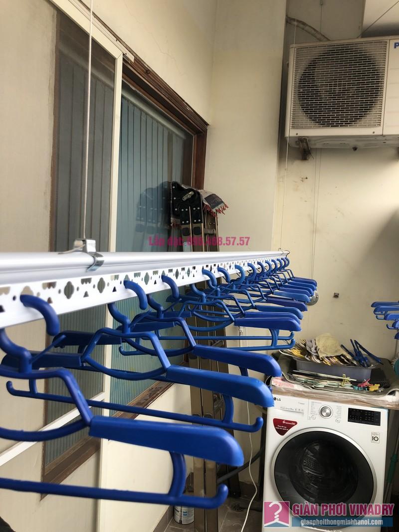 Lắp giàn phơi quần áo nhà chị Băng, tòa nhà Vaem Tây Hồ, ngõ 689 Lạc Long Quân - 06