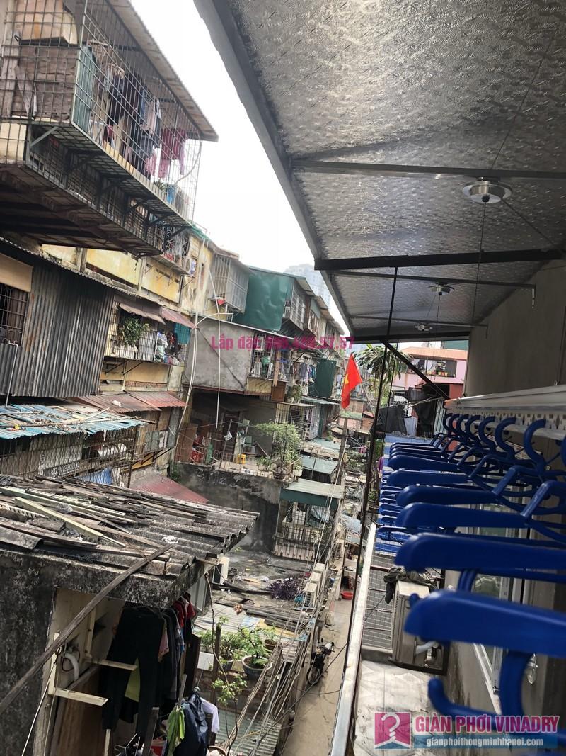 Lắp giàn phơi Ba Đình nhà cô Qúy, nhà B6B, Khu tập thể Thành Công - 01