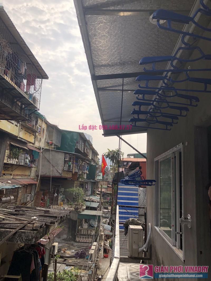 Lắp giàn phơi Ba Đình nhà cô Qúy, nhà B6B, Khu tập thể Thành Công - 02