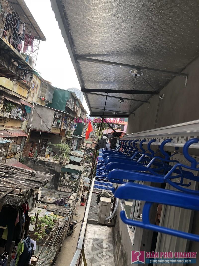 Lắp giàn phơi Ba Đình nhà cô Qúy, nhà B6B, Khu tập thể Thành Công - 04