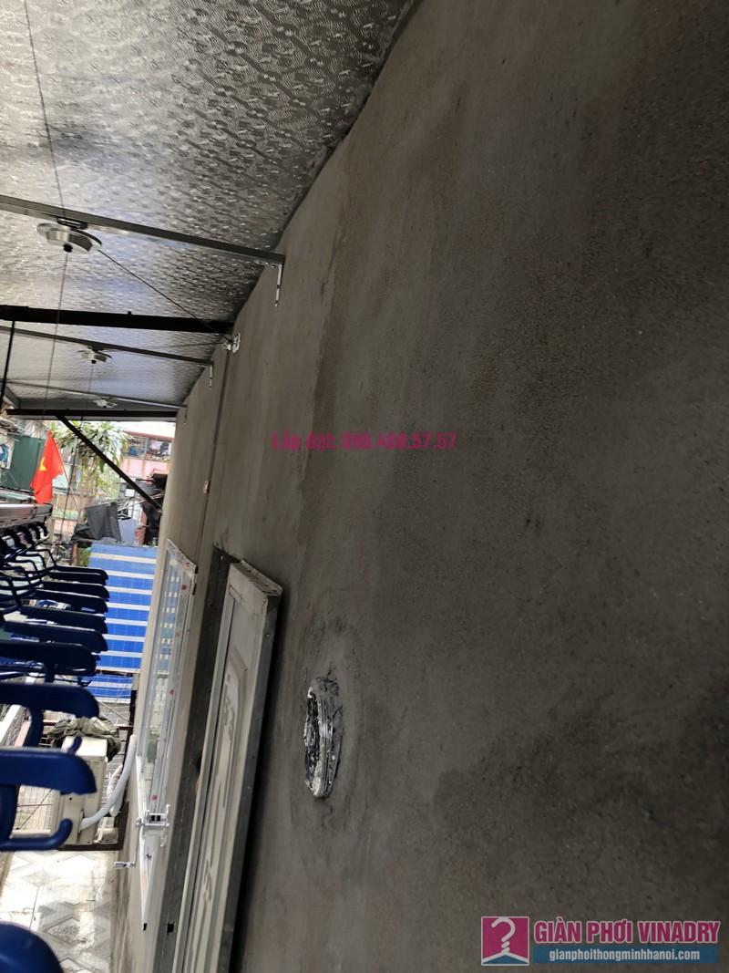 Lắp giàn phơi Ba Đình nhà cô Qúy, nhà B6B, Khu tập thể Thành Công - 05