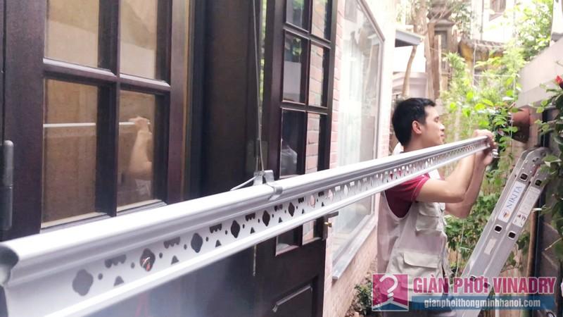 Lắp giàn phơi quần áo nhà chị Ngoan, ngõ 50/18 Võng Thị, Tây Hồ, Hà Nội - 06