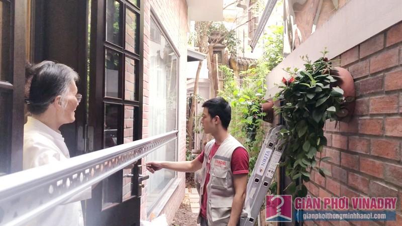 Lắp giàn phơi quần áo nhà chị Ngoan, ngõ 50/18 Võng Thị, Tây Hồ, Hà Nội - 07