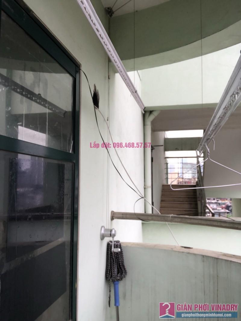 Sửa giàn phơi quần áo nhà chị Nhàn, chung cư X1, ngõ 140 Nguyễn Xiển, Thanh Xuân, Hà Nội -02
