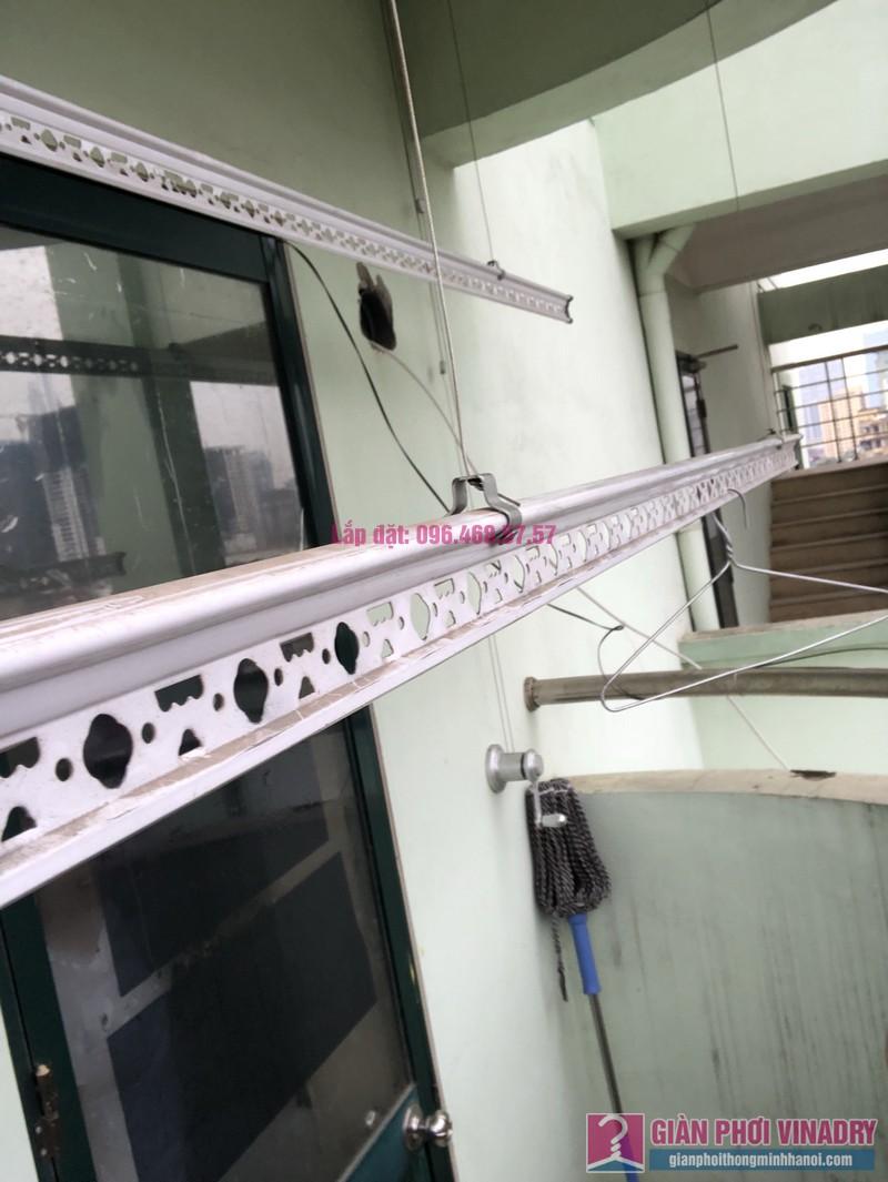 Sửa giàn phơi quần áo nhà chị Nhàn, chung cư X1, ngõ 140 Nguyễn Xiển, Thanh Xuân, Hà Nội -03