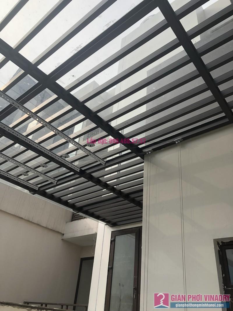 Lắp giàn phơi bấm điện nhà anh Trung, Biệt thự khu Q Ciputra, Tây Hồ, Hà Nội- 02